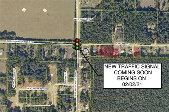 Map showing location of new traffic signal at South and East Spencer Field Road at Carlyn Drive.