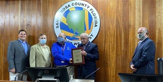 Kevin Sowell, 911 coordinator, receives national award