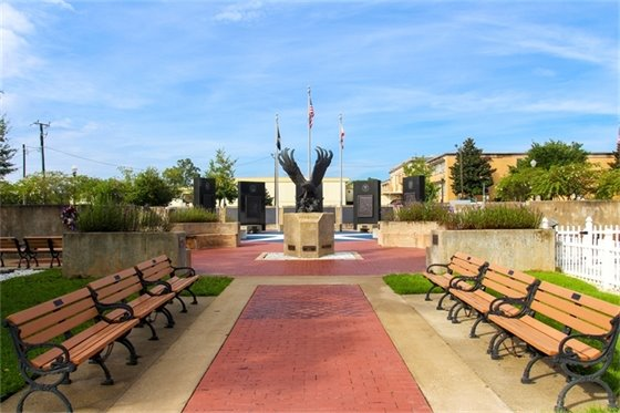 Photo of the Veterans Memorial Plaza in Downtown Milton